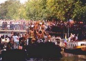Holandia: Na gejowską paradę w mundurze