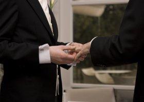 """TVN24 pyta o """"homo-związki-małżeństwa"""""""