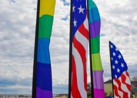 Rosnąca akceptacja homorodzicielstwa i małżeństw w USA?