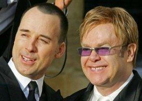 Elton John martwi się o syna