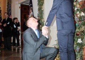 Tęczowe zaręczyny w Białym Domu