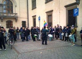 Kraków: demonstracja w strachu
