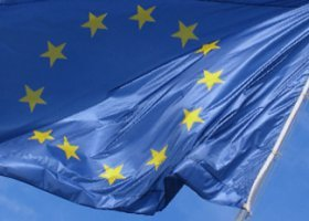 Buzek i część PO przeciwko rezolucji PE potępiającej homofobię