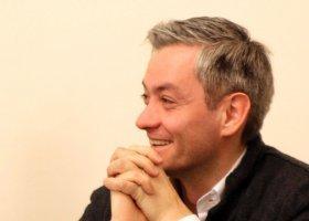 Biedroń pisze do ministra o zaświadczeniach USC