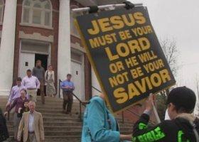 """Wielkanocna """"szopka"""" przed kościołem w Północnej Karolinie"""