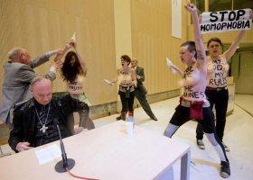 FEMEN atakuje belgijskiego arcybiskupa