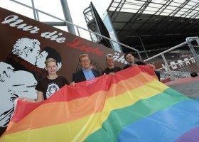 Niemiecki klub piłkarski walczy z homofobią