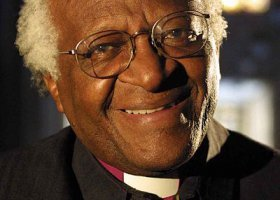 Desmond Tutu: nie czciłbym homofobicznego Boga