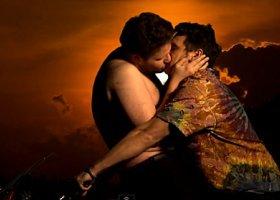 James Franco znowu całuje się z mężczyzną