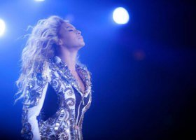 Eksperymenty Beyoncé, Burial i Lana Wachowski