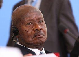 Zachód straszy Ugandę