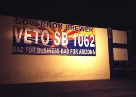 Arizona: walka z dyskryminacją i różowe pieniądze