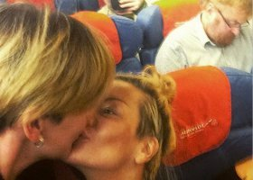 Policyjna obława na branżowy klub lesbijki ze zdjęcia