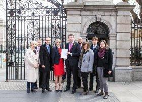 Polacy apelują do Irlandczyków: zagłosujcie za małżeństwami!