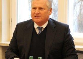 Kwaśniewski bagatelizuje związki - zmiana frontów?