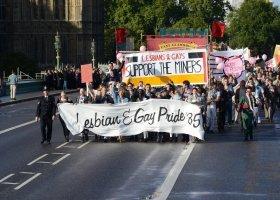 """Bohaterowie filmu """"Dumni i wściekli"""" poprowadzą paradę w Londynie"""