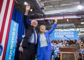 Sanders poparł Clinton