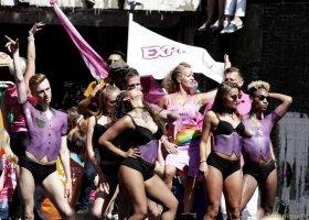 Kilkaset tysięcy osób na Canal Pride 2016 (ZDJĘCIA)