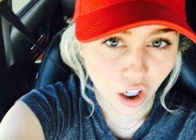 Miley Cyrus: nienawidziłam słowa biseksualność