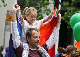 Czechy: rząd za przysposobieniem dzieci w związkach partnerskich
