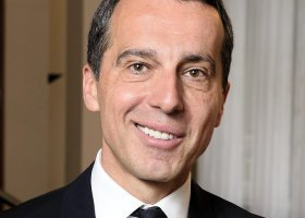 Kanclerz Austrii obiecuje równość małżeńską
