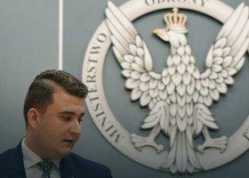 """Były szef SKW o """"młodych mężczyznach"""" w otoczeniu Macierewicza"""