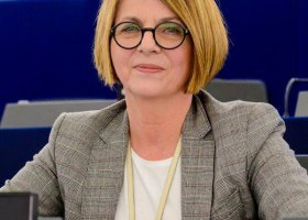Julia Pitera: po co związki, skoro są umowy?
