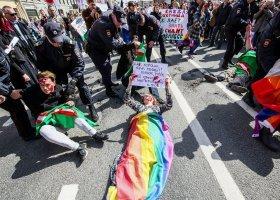 Merkel prosi Putina o interwencję ws. gejów w Czeczenii