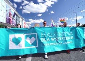 52 proc. Polaków za związkami partnerskimi