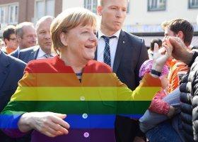 Merkel zmieniła zdanie przez lesbijki wychowujące dzieci?