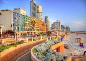Tel-Awiw: białe i tęczowe miasto