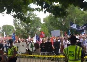 Charlottesville: Ameryka poruszona