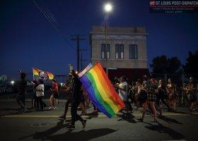 "Samochód wjechał w marsz ""Trans Lives Matter"""