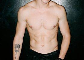 Shawn Mendes nie jest gejem