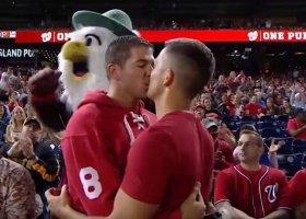 Zaręczyny podczas meczu bejsbola