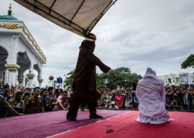 58 mężczyzn aresztowanych w Dżakarcie