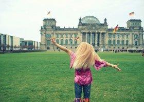 Kim Lee szturmuje... Reichstag