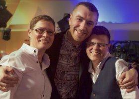 Sam Smith na lesbijskim ślubie