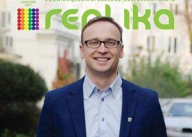 Biedroń gratuluje coming outu wiceprezydentowi Świdnicy