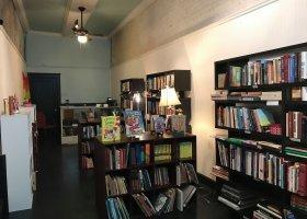 Otworzyły queerową księgarnię na wsi w Mississippi