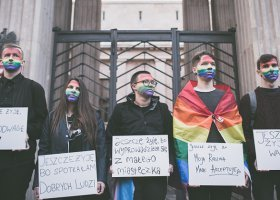 Szkoła musi przeprosić za homofobię