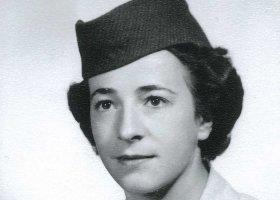 90-letnia lesbijka będzie walczyć z armią... o honor