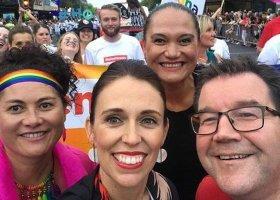 Szefowa rządu Nowej Zelandii na paradzie w Auckland