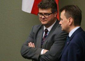 Kogo całuje Maciej Wąsik?