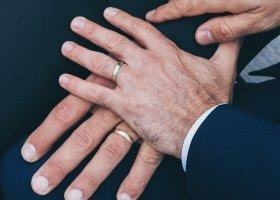 Małżeństwo jednopłciowe to... parodia związku?