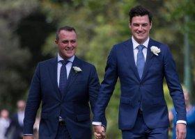 Oświadczył się w parlamencie, teraz wzięli ślub