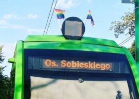 Tęczowe flagi obrażają homofobów i ludzi, których religią jest nienawiść