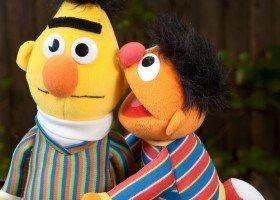 """Bert i Ernie z """"Ulicy Sezamkowej"""" są parą"""