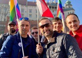 Poszli z tęczą na marsz z okazji Święta Niepodległości