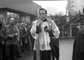 Sprawa księdza Jankowskiego podzieli Gdańsk